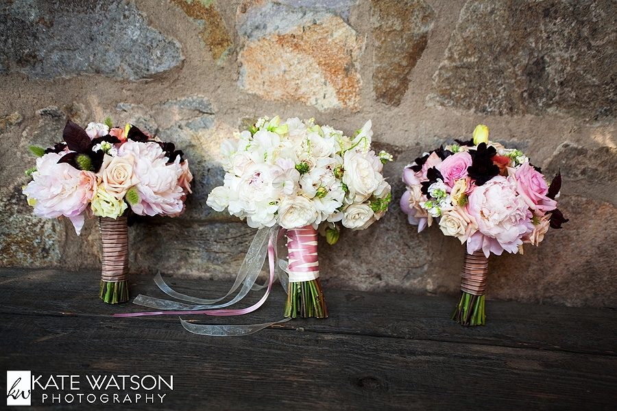 Ideas for Country Wedding Bouquets | eHow.com